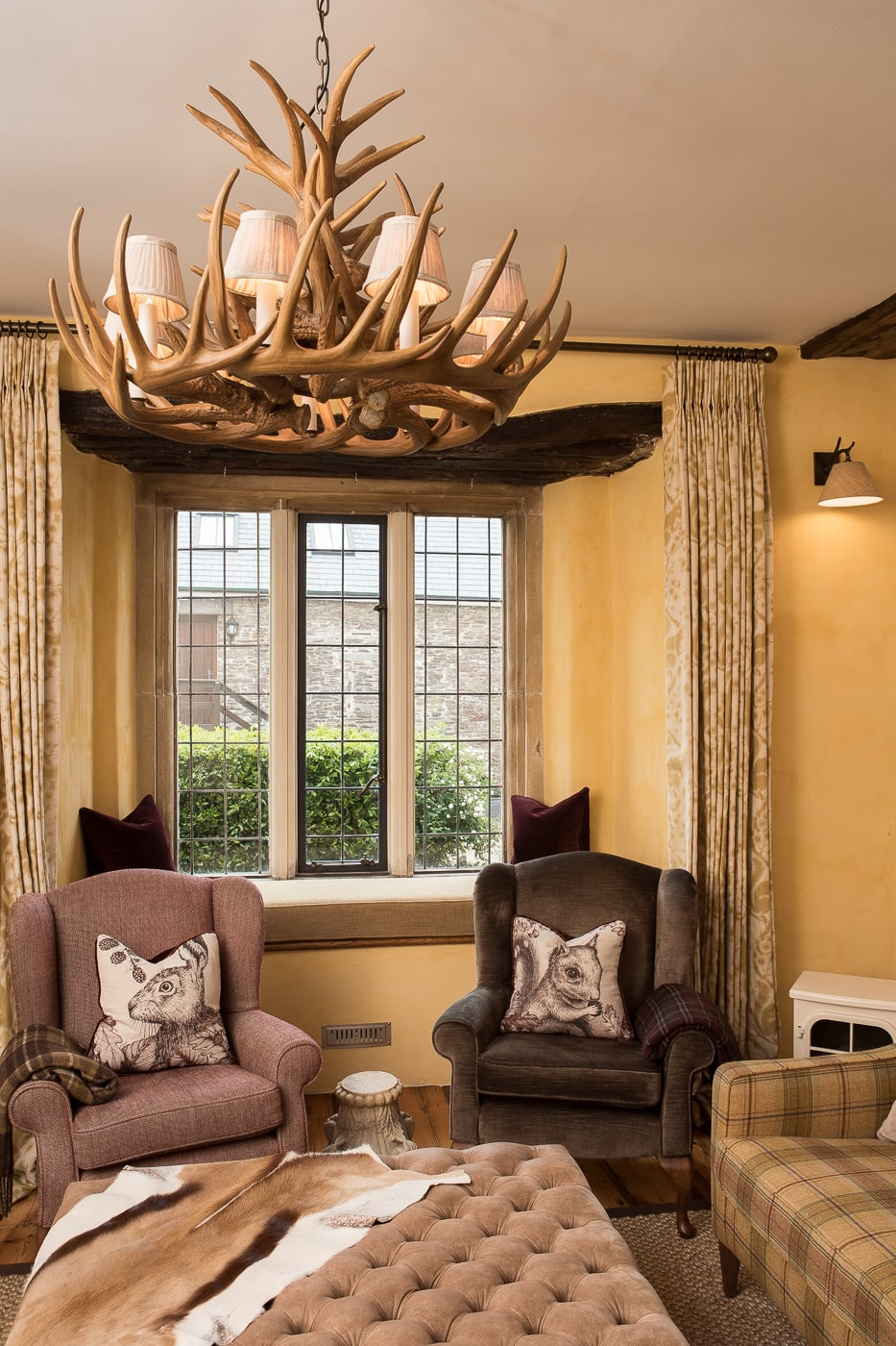 Country Manor with stag antler light feature